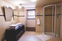 Room-3-Bathroom