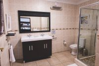 Room-2-Bathroom